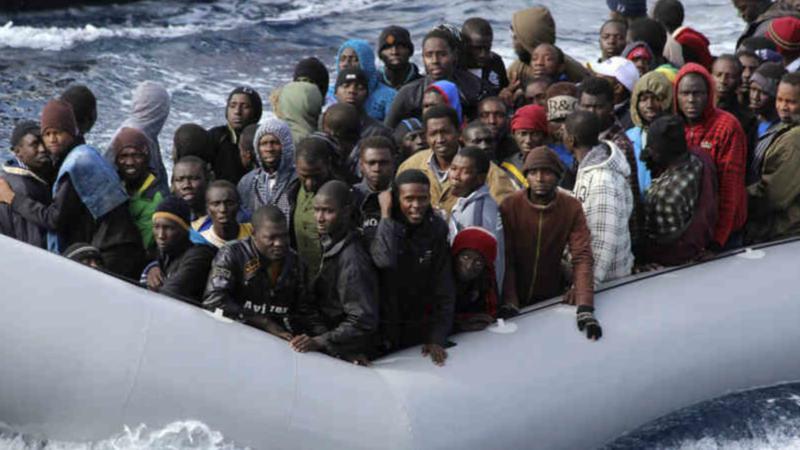 Αριθμός-ρεκόρ αφίξεων μεταναστών στην Ιταλία για το 2016