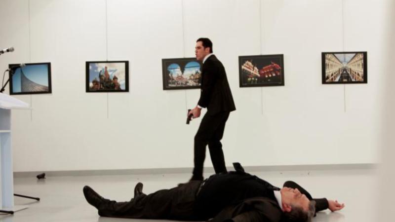 Σοκαρισμένες ΕΕ και ΗΠΑ απ τη δολοφονία του Ρώσου πρέσβη