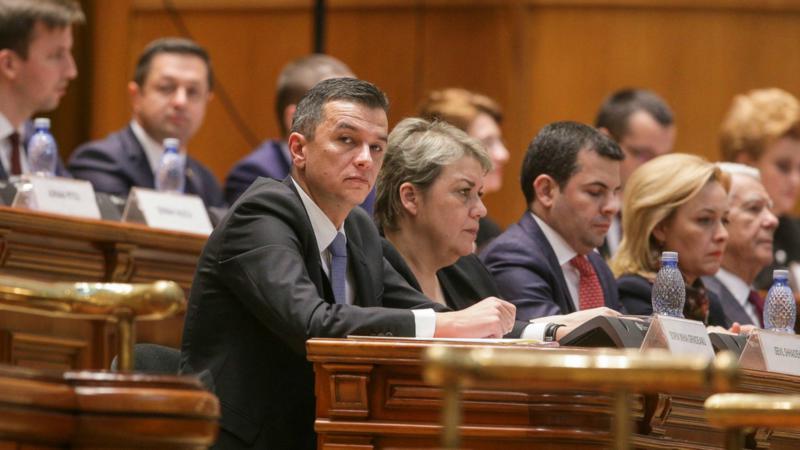 Τέλος της πολιτικής κρίσης στη Ρουμανία μετά τη νέα κυβέρνηση;