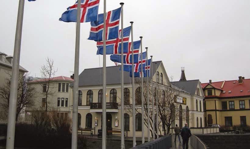 Η Ισλανδία εξετάζει ξανά την ένταξη στην ΕΕ